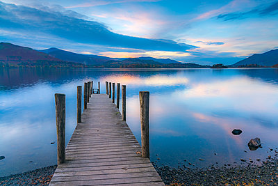 Ashness Jetty, Derwentwater, Keswick, Lake District National Park, Cumbria, England, United Kingdom, Europe - p871m1480363 by Alan Copson