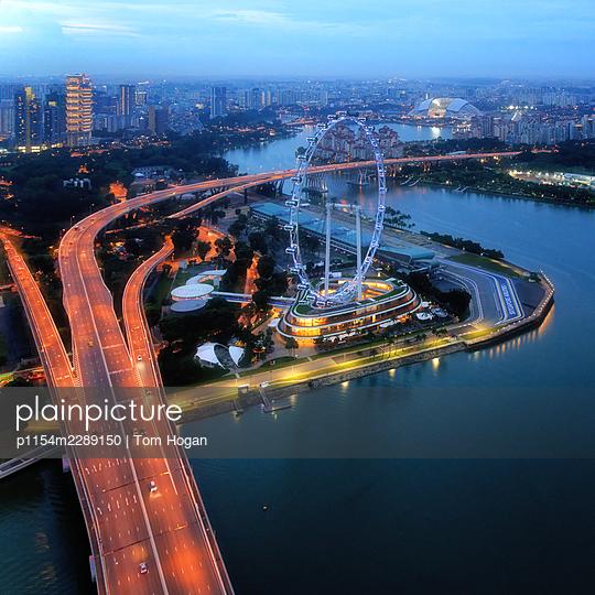 Asia, Singapore, Highway and Ferris Wheel - p1154m2289150 by Tom Hogan