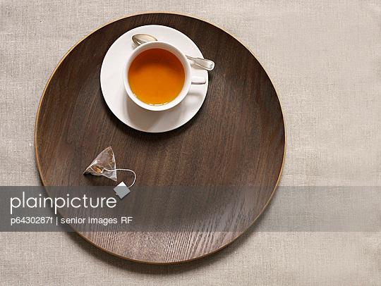 Teetasse  - p6430287f von senior images RF