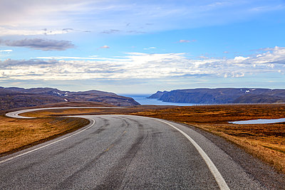 Winding coastal raod, North Cape, Mageroya, Finnmark, Norway - p1168m2205451 by Thomas Günther