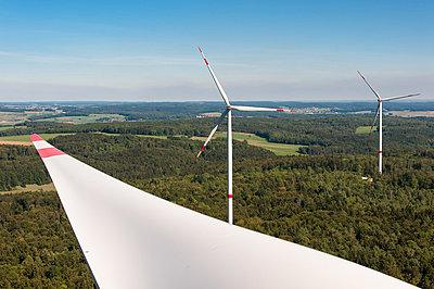 Waldwindpark Zöschingen III - p1079m880472 von Ulrich Mertens