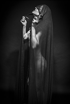 Naked woman with veil - p1508m2022377 by Mona Alikhah