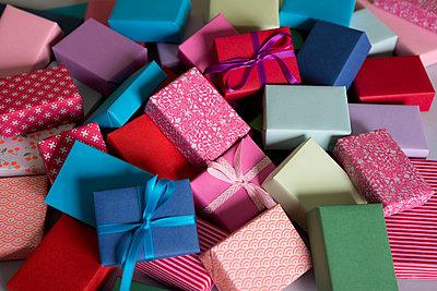 Kleine Geschenke - p454m1028041 von Lubitz + Dorner