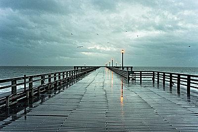 Pier in Coney Island - p56711679 von Vincent Soyez