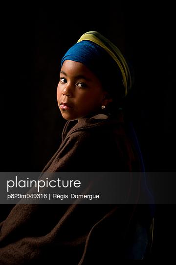 Das Mädchen mit dem Perlenohrring - p829m949316 von Régis Domergue