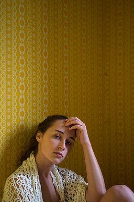 Yellow wallpaper - p427m939826 by Ralf Mohr