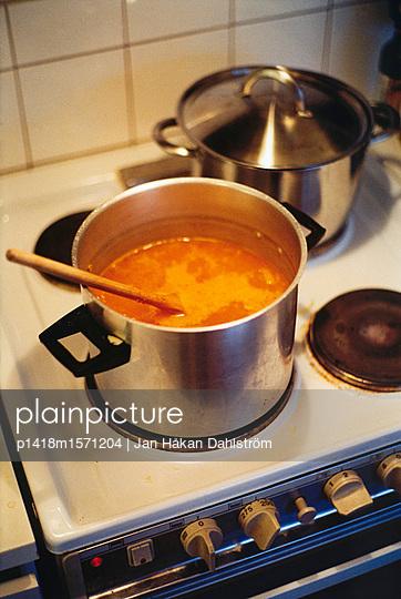 Suppe im Topf - p1418m1571204 von Jan Håkan Dahlström