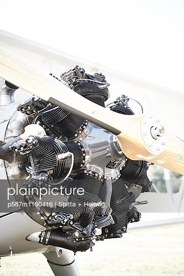 Sternmotor - p587m1190416 von Spitta + Hellwig
