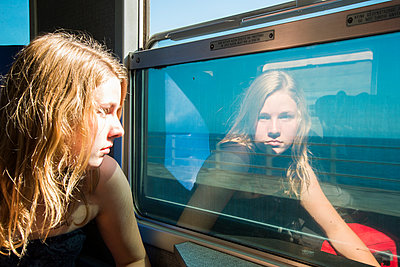 Girl in a train - p161m940569 by Kerstin Schomburg