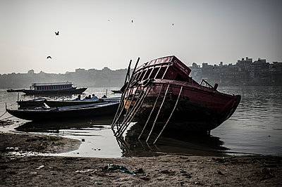 Old boat in Ganges - p1007m1144336 by Tilby Vattard