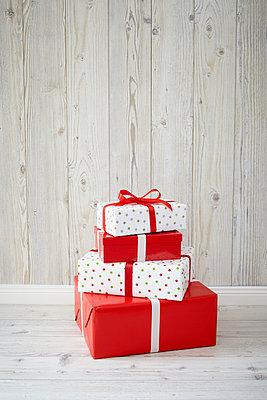 Geschenke - p464m907008 von Elektrons 08
