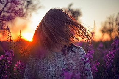 Golden hour - p1507m2028562 by Emma Grann