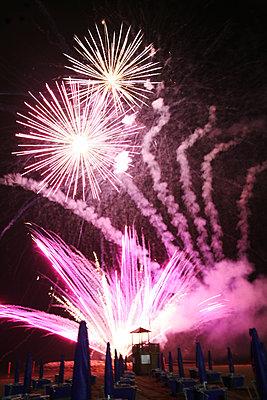 Feuerwerk - p375m1564618 von whatapicture