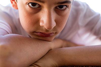 Portrait of teenage boy - p445m1159660 by Marie Docher