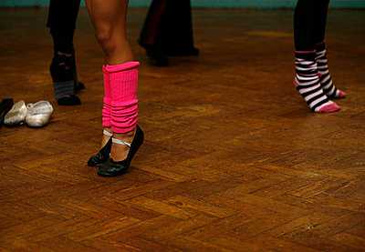 Learning to dance - p5910112 by Celine Marchbank
