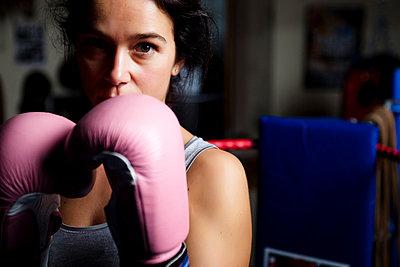 Boxing - p6691604 by Julian Winslow
