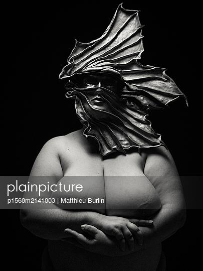Nackte Frau - p1568m2141803 von Matthieu Burlin