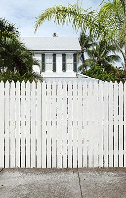 Garden fence - p045m823414 by Jasmin Sander