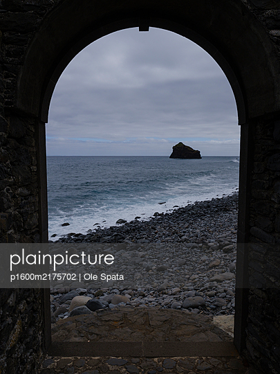 Portugal, Madeira, Ruins in Calhau de São Jorge - p1600m2175702 by Ole Spata