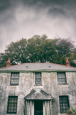 Old abandoned house - p597m2055248 by Tim Robinson