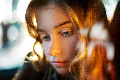 Close up of sad Caucasian girl - p555m1412860 by Vladimir Serov