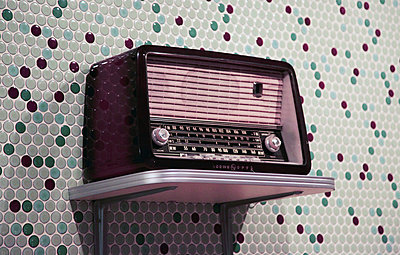 Vintage radio from 1950 - p664m1132592 by Yom Lam