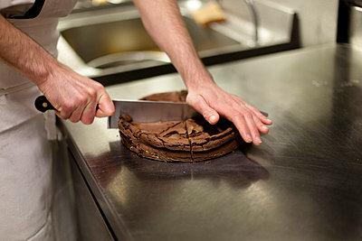 Torte backen - p4451386 von Marie Docher