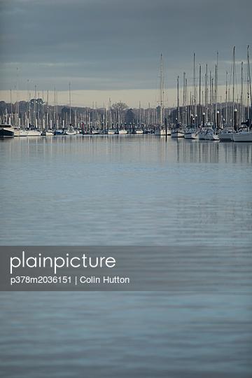 p378m2036151 von Colin Hutton