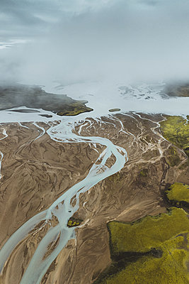 Glacial rivers in the Highlands of Iceland - p1634m2210359 by Dani Guindo