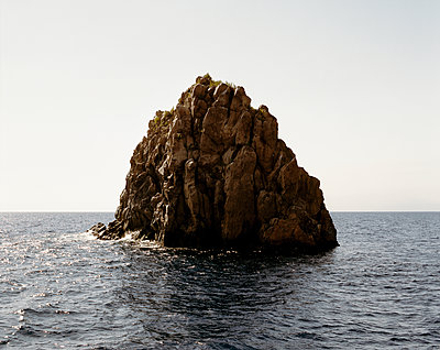 Boulder in the sea - p1409m1464929 by margaret dearing