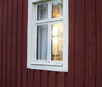Wooden house - p956m709689 by Anna Quinn
