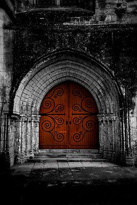 Kirchenportal - p248m1538238 von BY