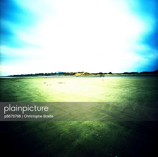 Pinhole camera - p5679768 by Christophe Boete
