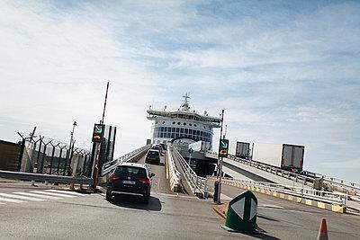 Ferry - p1477m2038933 by rainandsalt