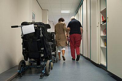 Elderly care nurse - p896m835694 by Sabine Joosten