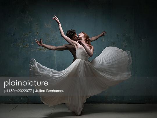 Balletttänzer - p1139m2022077 von Julien Benhamou