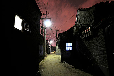 Gasse in Peking - p5890029 von Thierry Beauvir