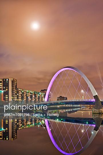 Glasgow - p587m1091798 by Spitta + Hellwig