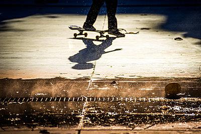 Skater - p1594m2160839 by Françoise Chadelas