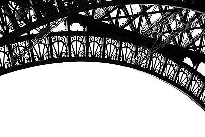 La Tour Eiffel - p1256m2099003 by Sandra Jordan