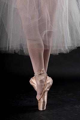 Ballerina - p973m1169725 von Jennifer Rumbach