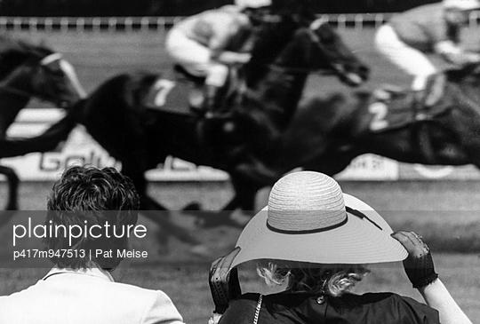 Pferderennen - p417m947513 von Pat Meise