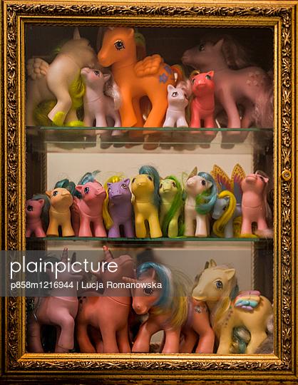 Ponysammlung - p858m1216944 von Lucja Romanowska