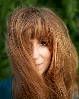 Redhaired woman - p1124m912453 by Willing-Holtz