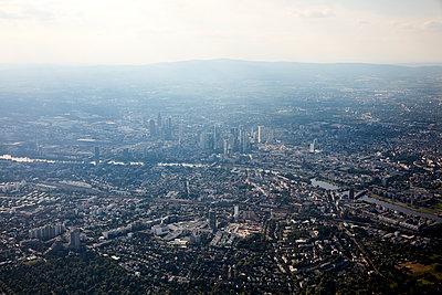 Frankfurt am Main, aerial view - p1492m2228713 by Leopold Fiala