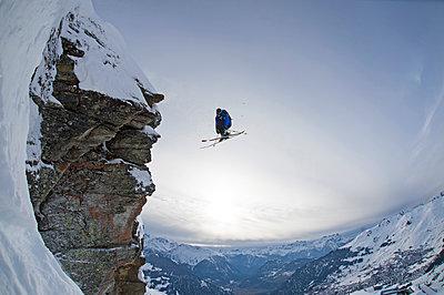 Skier doing a 360, Verbier, Switzerland - p1316m1202843 by Michael Neumann