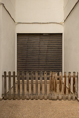 Closed - p1021m2262393 by John-Patrick Morarescu