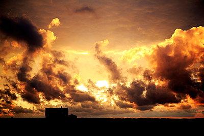 Sonnenuntergang - p179m932360 von Roland Schneider