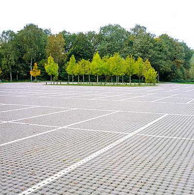 parking spot - p1501m2064184 by Alexander Sommer