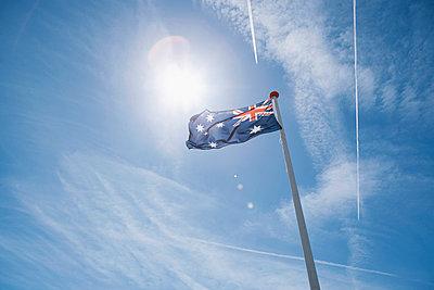 Australian flag - p586m962674 by Kniel Synnatzschke
